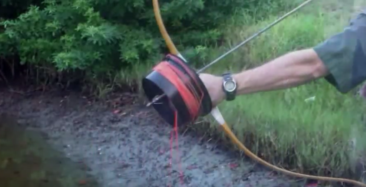 Homemade bowfishing reel shoot through style 101 ways for Bow fishing reel