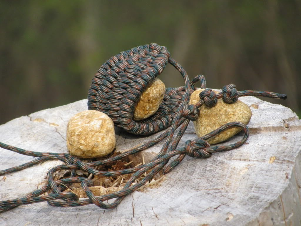 easy paracord rock sling how to 101 ways to survive