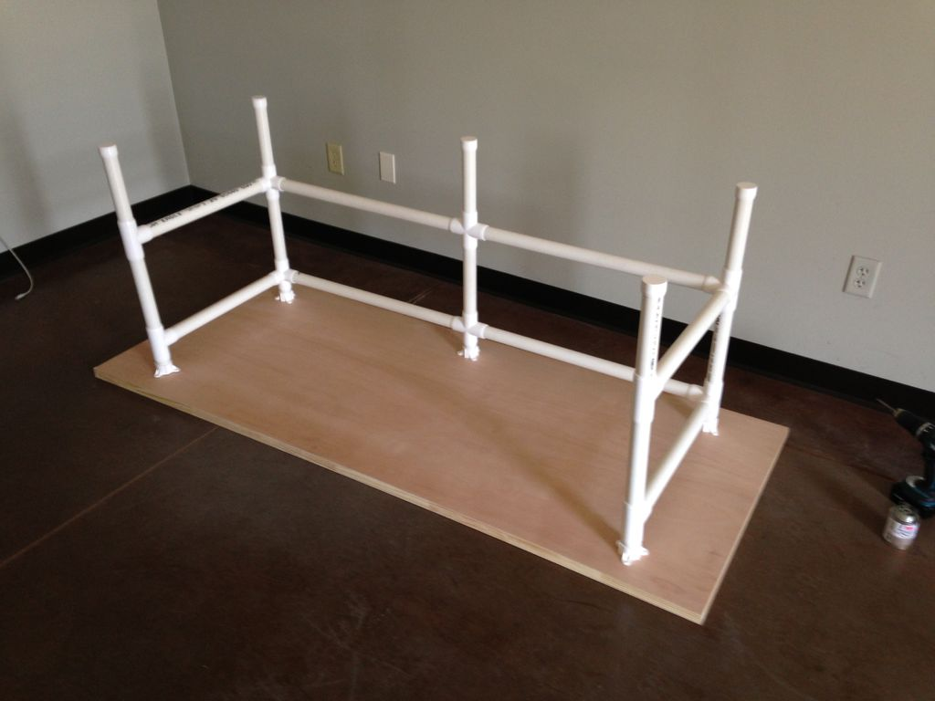 How to make a sturdy table out of pvc 101 ways to survive for Set de table pvc